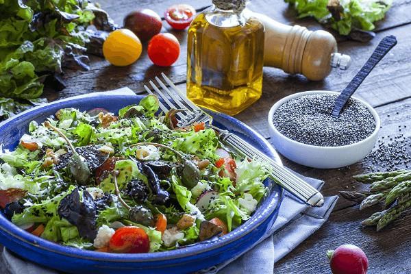 salad-hat-chia-1-10435749-1618542288.jpg